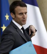 Emmanuel Macron, un des enfants chéris de l'UMPS